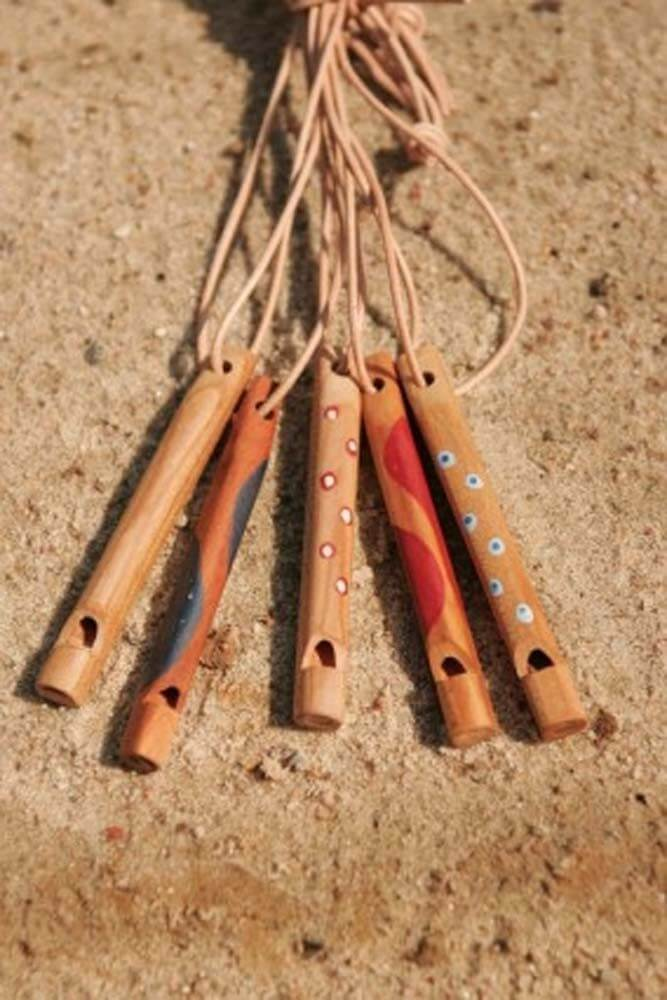 Holzpfeife mit Lederband