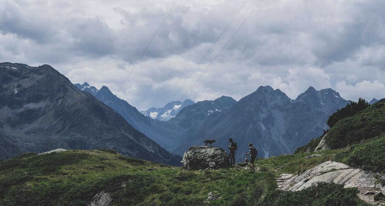 Wandern mit Hund Berghütte